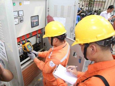 Thời điểm cao điểm nắng nóng: Tiếp tục huy động tối đa các nguồn điện than, khí để đảm bảo cung cấp điện